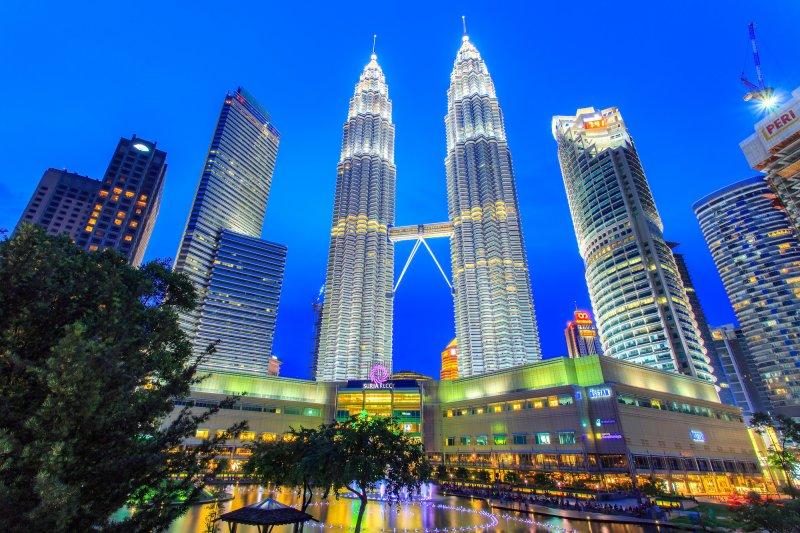 英語を使って地方ではたらくくらいなら、マレーシアのコールセンターで働いたほうが雰囲気も給料も良いですよ