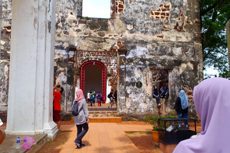 マレーシア・マラッカのスタダイスから徒歩で約7分の小高い丘の上にはセントポール教会(St.Paul's Church)